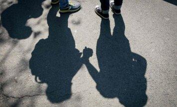 Ķīnas sociālo tīklu milzis 'Sina Weibo' sola pārtraukt pret homoseksualitāti radīto cenzūru