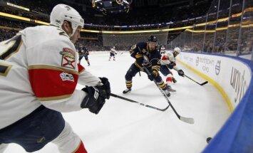 НХЛ: Латвийский хоккеист прервал 14-матчевую серию без набранных очков