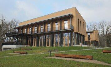 Par gada labākajām jaunbūvēm atzīst 'Exupery International School' Piņķos un biroju Dundagā