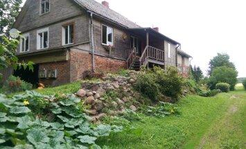 Liktenīga satikšanās – stāsts par lauku mājas atdzimšanu Tūjasmuižā