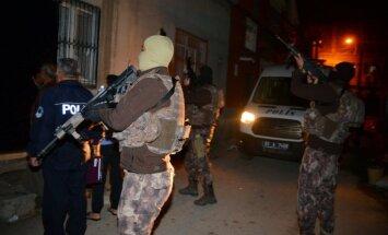 Aizdomās par saistību ar 'Daesh' Stambulā aizturēti 32 cilvēki