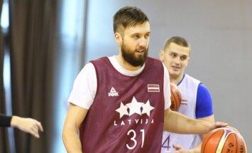Universālais Peiners un talantīgais Pasečņiks stāsta par jauno Latvijas izlasi un gaidāmajām spēlēm