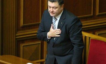 Ukraina uz nedēļu pārtrauc pretterorisma operāciju dumpīgajos reģionos (papildināts 22:22)