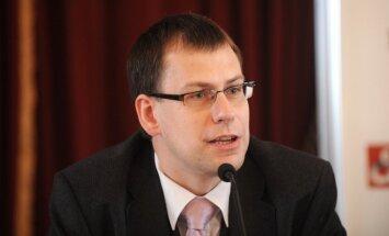 Valters Kaže: Ātrie kredīti – ekonomikas un konkurences politikas krustcelēs