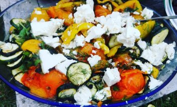 Угощение на Лиго без мяса: овощи-гриль в маринаде с сыром фета