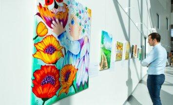 В больнице им. Страдыня открыли выставку в поддержку онкологических пациентов