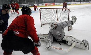 Latvijas hokeja izlasei pievienojas brāļi Rēdlihi un Ankipāns