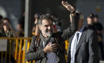 Spānijas tiesa apcietinājusi Katalonijas neatkarību atbalstošo organizāciju līderus