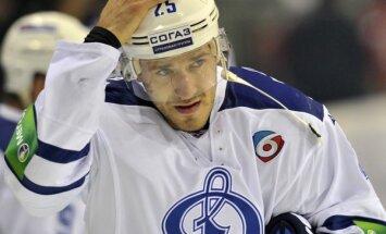 Karsuma divi gūtie vārti neglābj Maskavas 'Dinamo' no zaudējuma