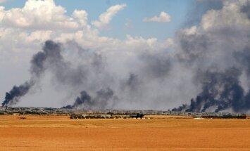Foto: Menbiža ielenkta, kurdu spēki gatavojas sturmēt pilsētu