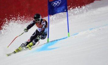 Zvejniekam diskvalifikācija otrajā braucienā FIS kategorijas sacensībās slalomā Austrijā