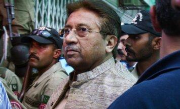 Mušarafam liegta atbrīvošana pret galvojumu Bhuto slepkavības lietā