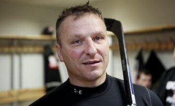 Darjus Kasparaitis strādās ar Krievijas jauniešu hokeja izlasi