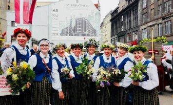 Sigvards un Austra – Latvijas simtgades Dziesmu svētku bērni