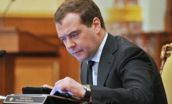Medvedevs apšauba Ukrainas varasiestāžu leģitimitāti