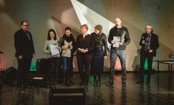 Festivālā 'Prozas lasījumi' balvas iegūst Sergejs Timofejevs un Daina Tabūna