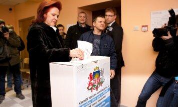 Āboltiņa referendumā nobalso 'pret' un ir apmierināta ar vēlētāju aktivitāti