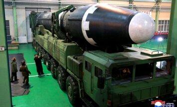 Ziemeļkorejas raķetes vēl nav spējīgas trāpīt ASV, prāto Matiss