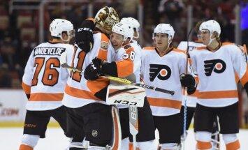 Filadelfijas 'Flyers' pirmie šosezon NHL tiek pie 10 uzvaru sērijas