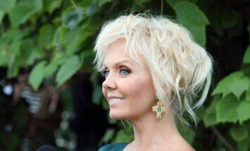 Latvijā nevēlamie mūziķi Krievijas televīzijā nevar savaldīt emocijas un skarbi kritizē Rinkēviča lēmumu