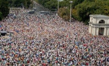 Moldovā krīt valdība - parlaments tai izsaka neuzticību