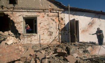 Civiliedzīvotāju bojāejā Donbasā vainīgas abas konfliktā iesaistītās puses, norāda cilvēktiesību aizstāvji