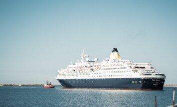 Foto: Liepājas ostā pēc vairākiem gadiem atkal piestājis kruīza kuģis