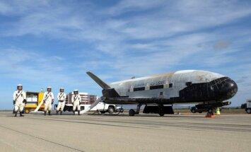 Foto: 'SpaceX' kosmosā palaiž ASV Gaisa spēku īpaši slepeno kosmosa kuģi