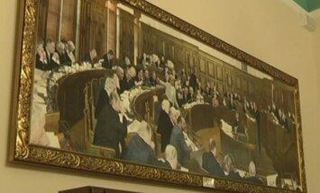 Kolēģi neatbalsta Kaimiņa centienus Saeimā cenzēt mākslu