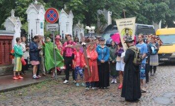 Foto: Svētceļnieki no Liepājas sāk ceļu uz Aglonas svētkiem