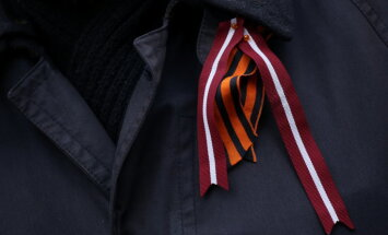 'Antifašisti' Latvijā cenšas radīt iespaidu par kustības masveidību, pauž Mežviets
