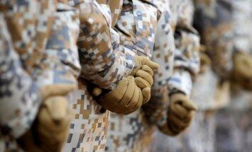 """От выхода из НАТО до """"народной армии"""": как партии предлагают развивать оборону Латвии"""