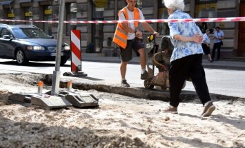 По ночам будут ремонтировать водопровод на ул. Бривибас и Цесу