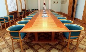 Jaunajā valdībā savus amatus varētu saglabāt seši ministri
