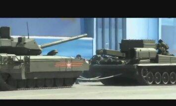 Video apkopojums: 9. maija ķibeles ar Krievijas militāro tehniku