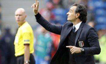 Prandelli Itālijas izlases galvenā trenera amatā paliks vēl divus gadus