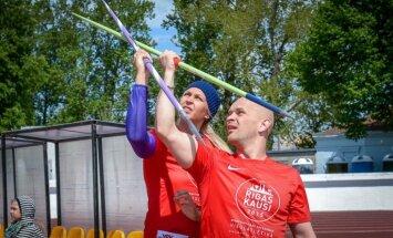 Foto: Latvijas vieglatlētikas zvaigznes trenē slavenības