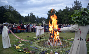 Aicina uz tradicionālajiem vasaras saulgriežu svētkiem Turaidas Jāņkalnā
