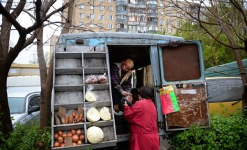 Pašpasludinātā Krimas vara atzinusi, ka pussalā pastāv produktu krīze