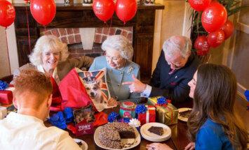 Video: Tā, iespējams, Lielbritānijas karaliene Elizabete svinēs apaļo jubileju