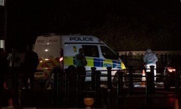 Pie Bekingemas pils aizturētajam uzbrucējam izvirzītas apsūdzības terorismā