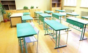 Skolu reforma: sešu gadu laikā arodskolu skaits samazināts par 60,7%; šogad slēgs vēl 10 skolas