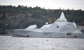Pie Zviedrijas krastiem pamanītais aizdomīgais objekts bijis civils peldlīdzeklis