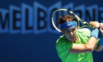Nadals bez lielām problēmām sasniedz 'French Open' ceturto kārtu