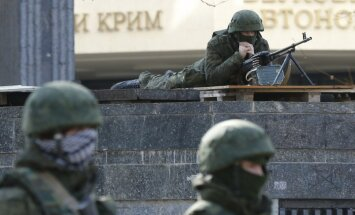 Krimā notiek Krievijas provokācija, kurai Ukraina nedrīkst pakļauties, paziņo Jaceņuks