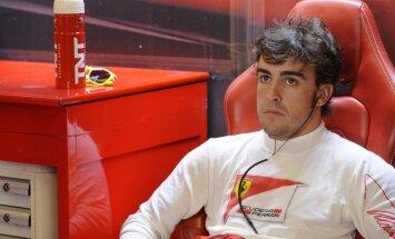 Alonso priecājas, ka sezonas sākumā pārspējis Raikonenu