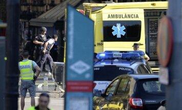 В Барселоне микроавтобус въехал в толпу: что известно на данный момент