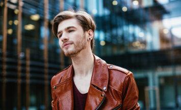 Justs izdod pirmo dziesmu latviešu valodā