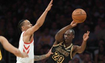 NBA pēdējā pusgadsimta vecākais amerikāņu debitants pārsteidz savā pirmajā spēlē