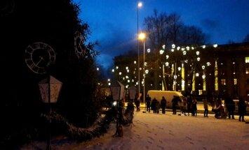 Svētku rotā: Dokumentē Ziemassvētkiem un gadumijai sapostās pilsētas un pagastus